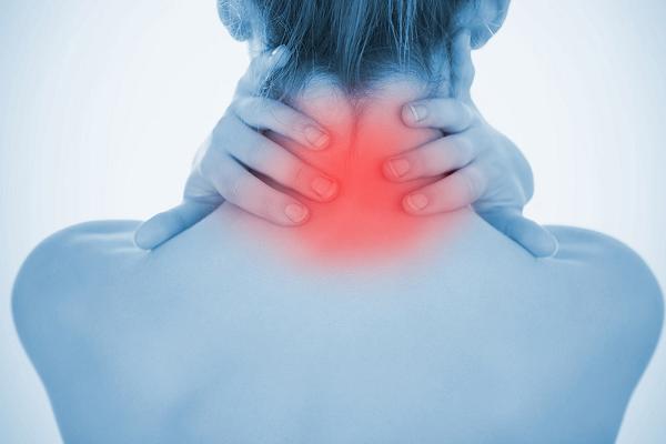 首の痛みと筋肉